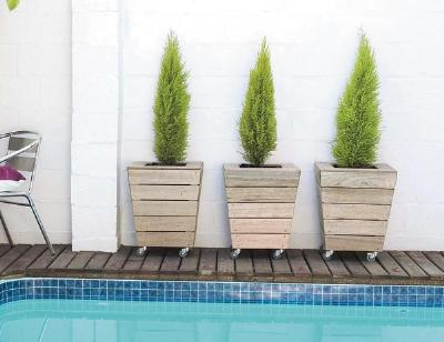 Movable planter for your patio or deck woodwork city for Tapered planter box plans