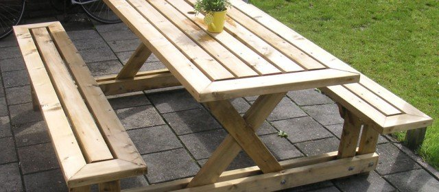 The Most Attractive 2 x 4 Picnic Table You Could Ever Build