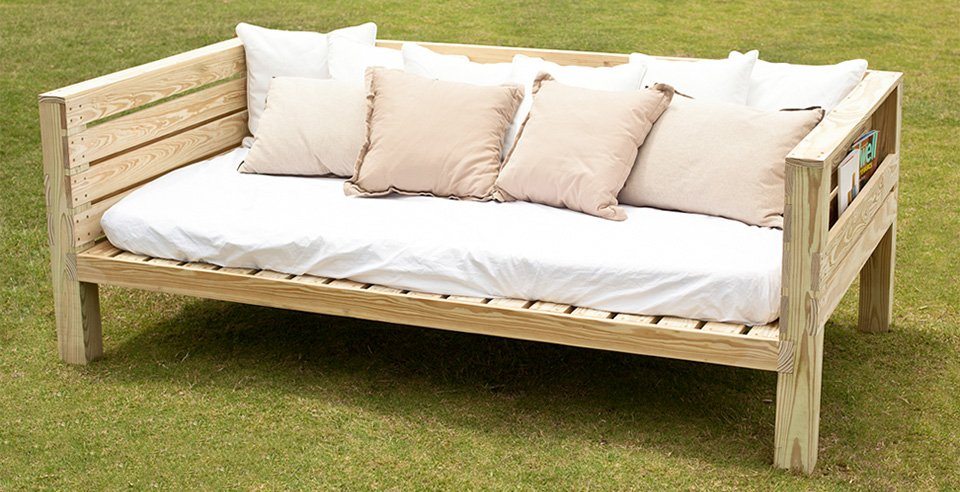 Free daybed plans woodwork city free woodworking plans for Diy patio bed