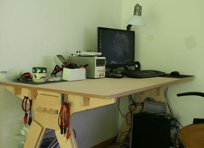 Economic one board desk for CNC (or not)
