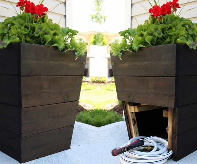 Tall Planter Plans with Hidden Hose Storage